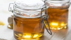 honey in jar honning i krukke